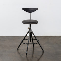 Akron counter stool with backrest | Taburetes de bar | District Eight