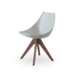 Gamma with wooden legs | Sillas | Pianca