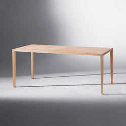 Bitzer | Table Mitte der fünften Stunde | Dining tables | Schmidinger Möbelbau