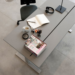 Q20 Split | Contract tables | Holmris Office
