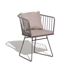 Illa armchair with cushion | Sedie | Bivaq