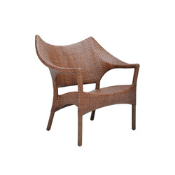 AMARI RATTAN LOW BACK LOUNGE CHAIR | Poltrone | JANUS et Cie