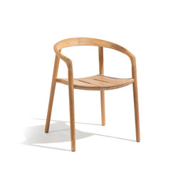 Solid armchair | Chairs | Manutti