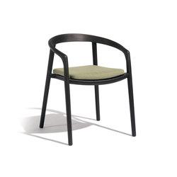 Solid armchair | Sillas | Manutti