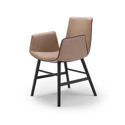Amelie | Armchair mit Holzzarge umlaufend | Stühle | FREIFRAU MANUFAKTUR