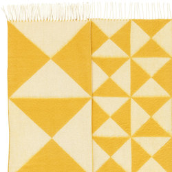 Mirror Throw | Yellow | Tapis / Tapis de designers | Verpan