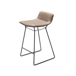 Amelie | Kitchen Stool Low | Counter stools | Freifrau Sitzmöbelmanufaktur