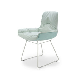 Leya | Armchair Low with wire frame | Chairs | FREIFRAU MANUFAKTUR