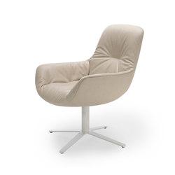Leya | Lounge Chair mit Fußkreuz | Sessel | Freifrau Sitzmöbelmanufaktur