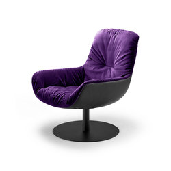 Leya | Lounge Chair with central leg | Poltrone | FREIFRAU MANUFAKTUR