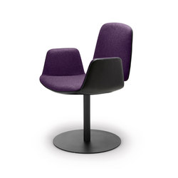 Tilda | Armchair with central leg | Chairs | Freifrau Sitzmöbelmanufaktur