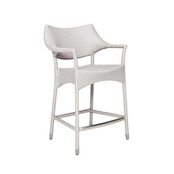 AMARI RATTAN COUNTER STOOL WITH ARMS | Taburetes de bar | JANUS et Cie