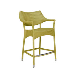 AMARI RATTAN COUNTER STOOL WITH ARMS | Sgabelli bancone | JANUS et Cie