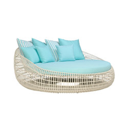 VINO DAYBED | Cocoon furniture | JANUS et Cie