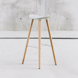 Coma Wood Stool | Bar stools | ENEA