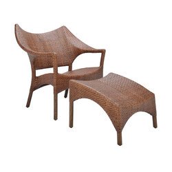 AMARI RATTAN LOW BACK LOUNGE CHAIR + OTTOMAN | Loungesessel | JANUS et Cie