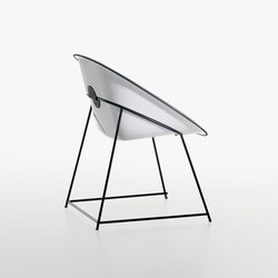 Cup armchair | Chaises | Plank