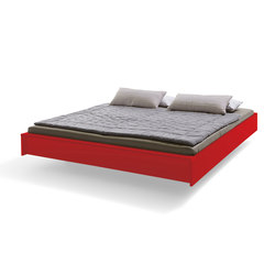 Flai Bed lacquered tomato red | Beds | Müller Möbelwerkstätten