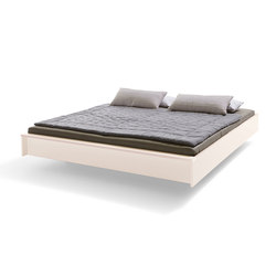 Flai Bed lacquered creamy white | Beds | Müller Möbelwerkstätten