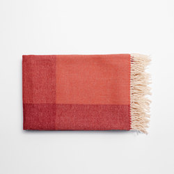 Blend Throw Red/White | Plaids | tre product