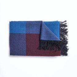 Blend Throw Blue/Black | Plaids | tre product