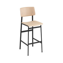 Loft bar chair | oak - black | Tabourets de bar | Muuto