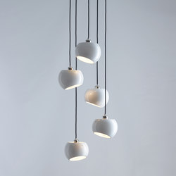 White Moons 5 Chandelier | Suspended lights | Licht im Raum