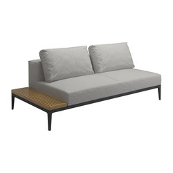 Grid Left / Right End Table Unit | Garden sofas | Gloster Furniture GmbH