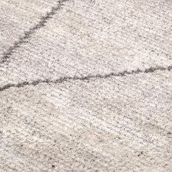 Minimal Maroque pres. Classic Nomad sand & rhino | Tapis / Tapis de designers | kymo