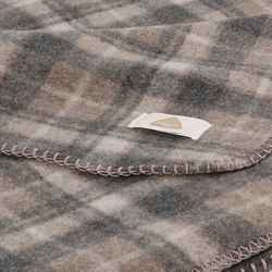 Susy Blanket taupe   Mantas   Steiner1888