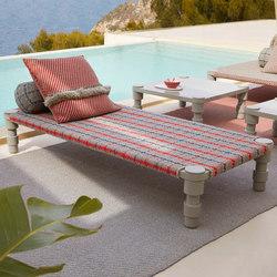 Garden Layers Single Indian bed Tartan blue | Camas de día | GAN