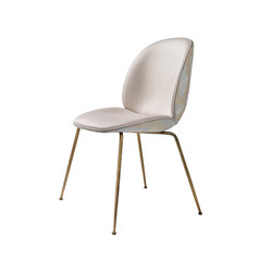 Beetle Dining Chair - Conic Base | Sillas | GUBI