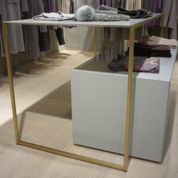 Retail Clothing Store Fixtures In Brass | Objekttische | YDF