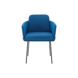 Tadao | Sedia Con Braccioli Basamento Laccato Nero | Chairs | Ligne Roset