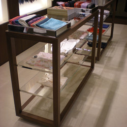 Custom Display Units | Vitrinen | YDF