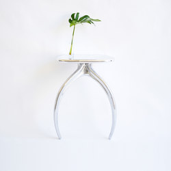 Wishbone Series Console - Aluminum | Mesas consola | STACKLAB
