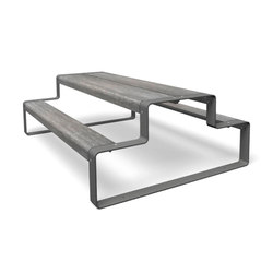 Outline | Tables and benches | miramondo