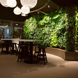 Indoor Vertical Garden | Arlanda Lounge Swedavia Room | Pflanzgefäße | Greenworks