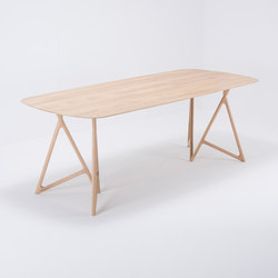 Koza table | 220x90 | oak | Mesas comedor | Gazzda