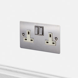 Electricity | 2G UK Socket | Steel | Prese inglesi | Buster + Punch