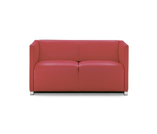 Cubica Sofa de Wittmann | Canapés d'attente