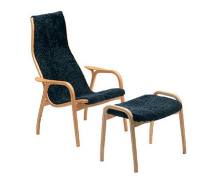 Lamino easy chair with footstool de Swedese | Fauteuils d'attente