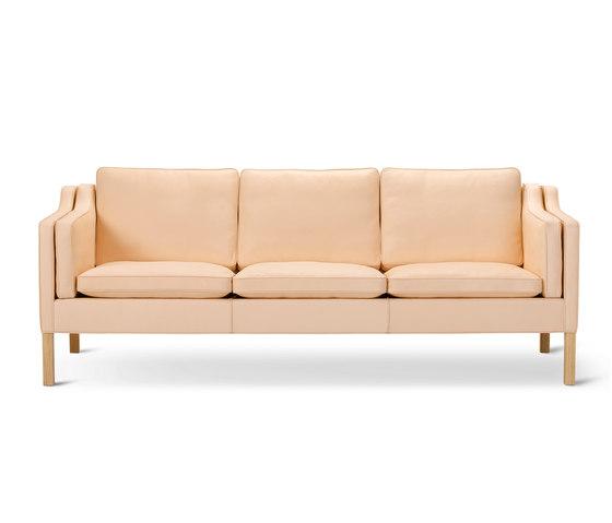 Mogensen 2213 Sofa by Fredericia Furniture | Sofas