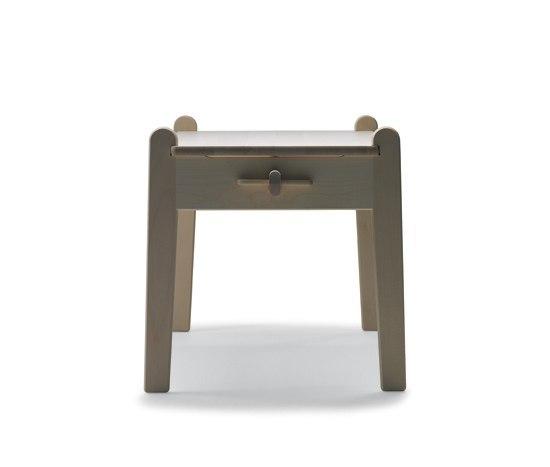 CH411 by Carl Hansen & Søn | Kids' stools