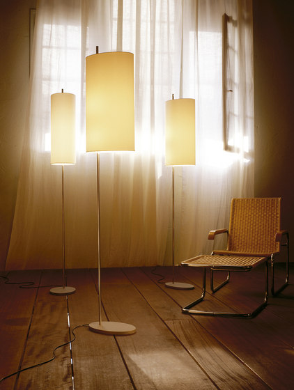 AJ Royal | Floor Lamp by Santa & Cole | General lighting