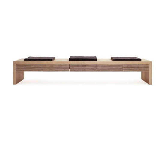 mesa11 bank+ by tossa | Upholstered benches