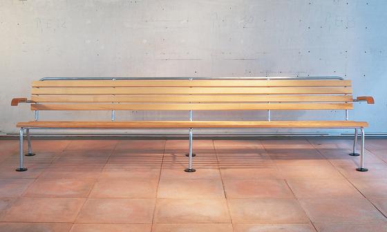 The garden bench by Atelier Alinea | Garden benches