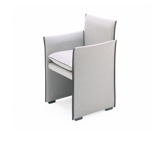 401 break restaurant chairs from cassina architonic for Cassina spa meda