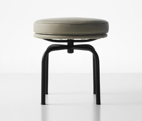 LC8 by Cassina | Stools