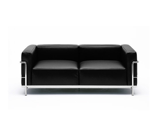 lc3 by cassina 2 seater 3 seater armchair. Black Bedroom Furniture Sets. Home Design Ideas